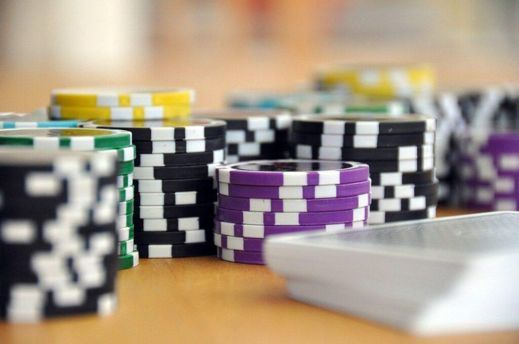 LG Köln verbietet Werbung für Online-Glücksspiel im TV 4